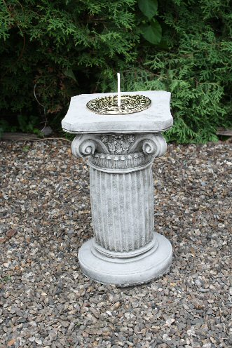 KSD10 Small Ornate Column Sun Dial